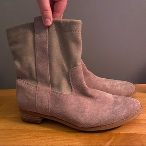 Toms tan suede boots